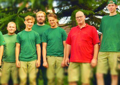 Gruppenbild: Jörg Heitmann, David Kursawe, Nicklas Rohn, Lasse Fretz, Jannik Jaenisch,  Justin Joksch, Sebastian Bockholt (Ausbilder), Felix Rose, Nils Bachmann (v.l.n.r.)